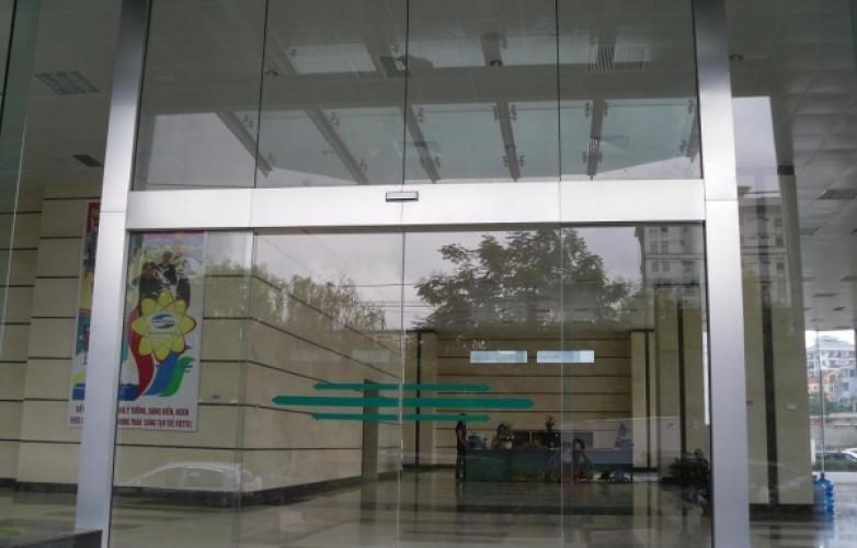 Cửa tự động lắp đặt tại CT 10 Trần Duy Hưng – Cầu Giấy – Hà Nội